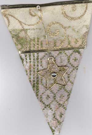 holiday pennant with glitter